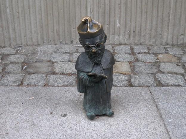 ポーランド ヴロツワフ 旧市街 妖精の像1