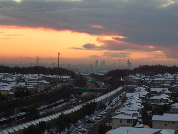 写真: 冬の夕焼け_中央道~名古屋市内