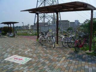 まったく使われない緑道のベンチの屋根の活用法_光ヶ丘5(修正)