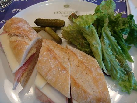 ピクルスとサラダ付@L'OCCITANE CAFE