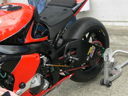 10 2013 12 津田 拓也 ヨシムラスズキレーシングチーム GSX_R1000 P1270944