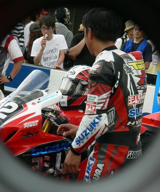 87 2013 12 津田 拓也 ヨシムラスズキレーシングチーム GSX_R1000 P1280043