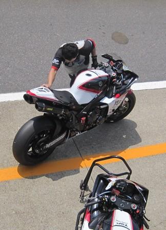 41 2013 1 中須賀克行 Katsuyuki Nakasuga ヤマハYSPレーシングチーム YZF-R1 IMG_1209