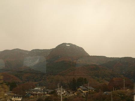沼田駅を出た直後の車窓