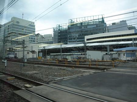 湘南新宿ライングリーン車1階の車窓(池袋駅)