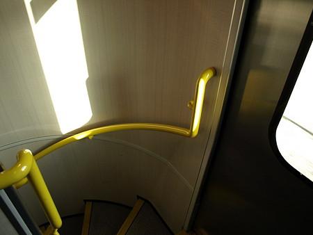 湘南新宿ライングリーン車の階段