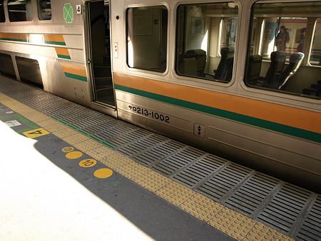 211系グリーン車(高崎駅)