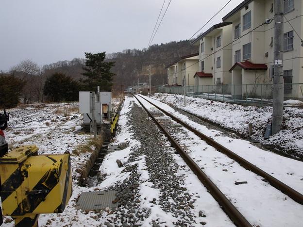 写真: 大前駅踏切付近