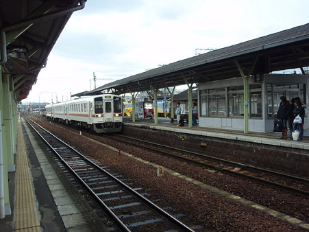 キハ11紀勢本線(松阪駅)