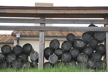 窯焼きパン屋の裏庭