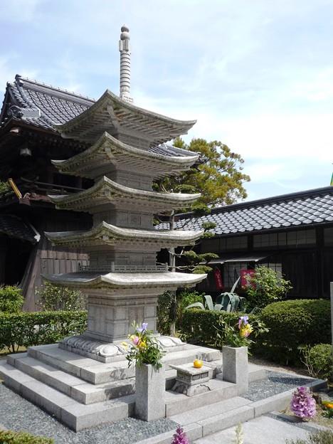 石の瑠璃光寺五重塔