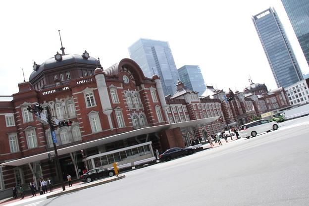 東京駅丸の内北口側より 2 5月1日