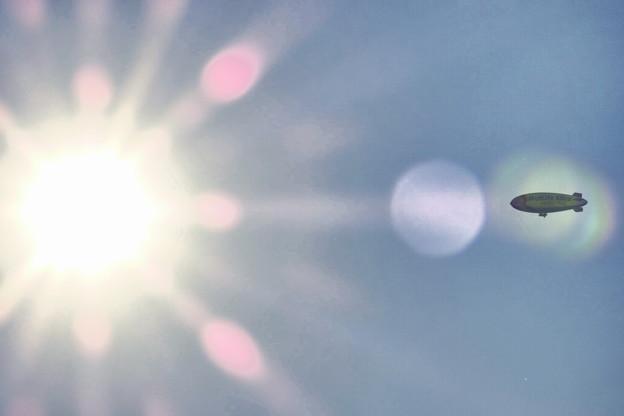夕陽と飛行船