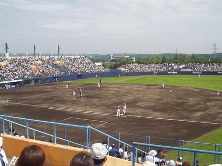 日本ハム対ロッテ 釧路市民球場、試合開始前の様子を一塁側から