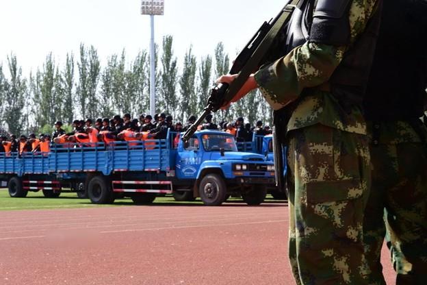 新疆ウィグル自治区で55名の公開処刑 (3)