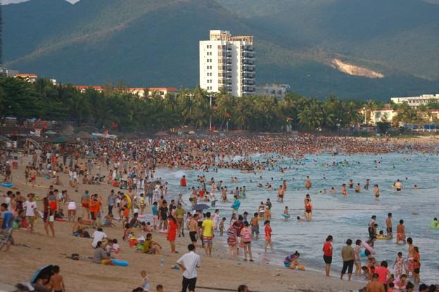 中国のハワイ 海南島で海水浴~~ (11)
