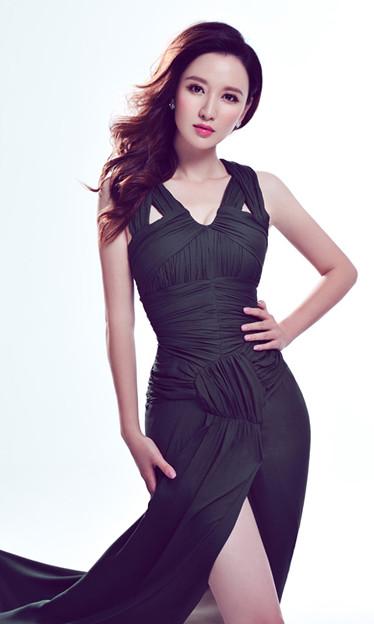 張萌 天津出身の女優 (1)
