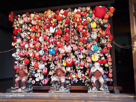 八坂庚申堂香炉の三猿2014年05月04日_P5040901