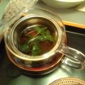 Photos: 実家の庭のミントをちょっと分けてもらったので、紅茶に入れてみた。...