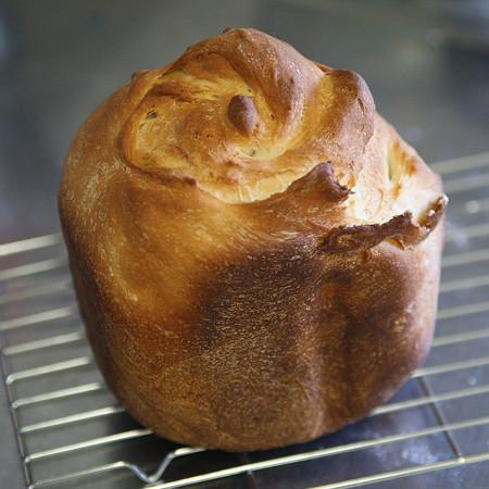 薔薇のような米粉8割パン
