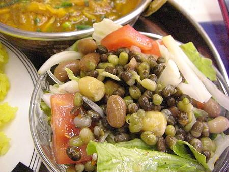 ラスナの豆たっぷりサラダ