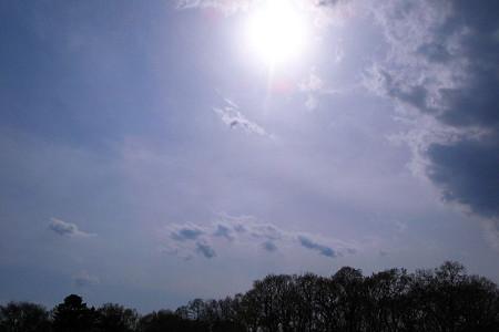 天高く雲景