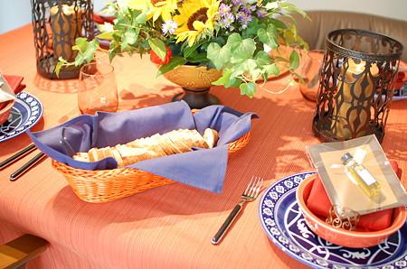 スペインをイメージしたテーブル