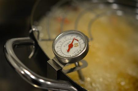 揚げ物鍋 (2)