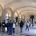ルーブル彫像室