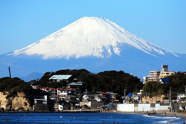 七里ヶ浜から富士山を望む
