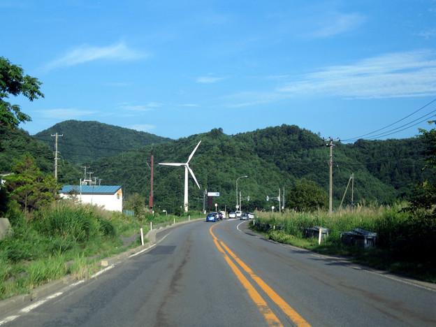 風力発電機のある道