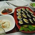 写真: 韓国海苔巻
