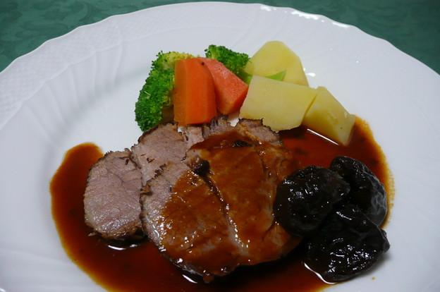 豚肉のプラム煮