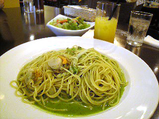 Photos: 帆立と白菜のジェノベーゼ