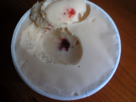 厨房のアイス いちご練乳(2)