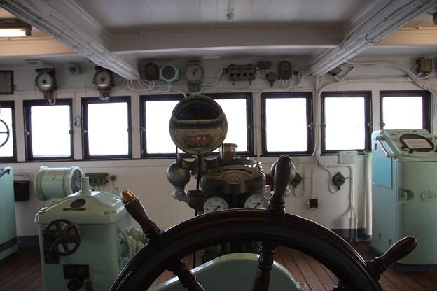 写真: 2008.12.23 氷川丸 操舵