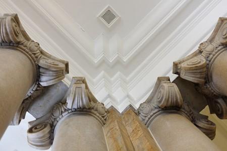 2014.07.01 みなとみらい 開港記念会館 玄関ロビーの大理石柱