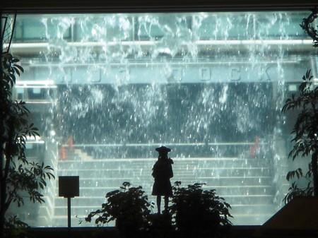 涼~♪ 水のカーテン・・