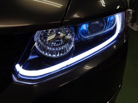 オデッセイ 埼玉県 NEWアウディ風LED取付 ホワイト片側