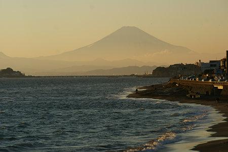 夕暮れの富士山1220c
