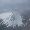 Photos: 雪の富士山、上空より。