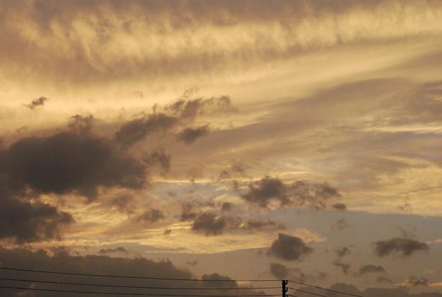 セピア色の夕焼雲