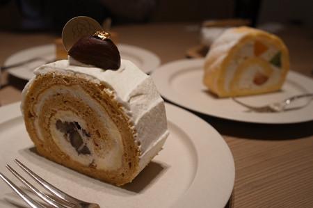 11ロールケーキ