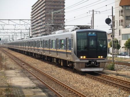 最終日、京都国際マンガミュージアムが休みだったので、適当な駅に下車しながら大阪に向かう