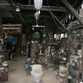 写真: 盛岡南部鉄器工房作業場・300年前よりここで