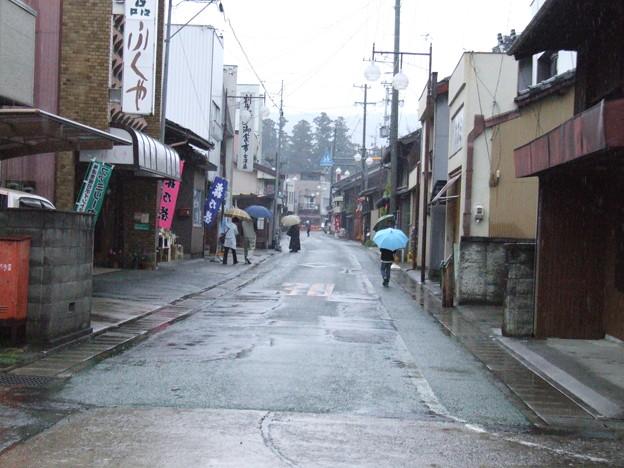 雨の町中01 - 写真共有サイト「フォト蔵」